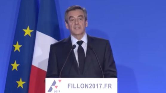 François Fillon, les traits marqués, s'explique devant la presse le 6 février 2017 - capture d'écran.
