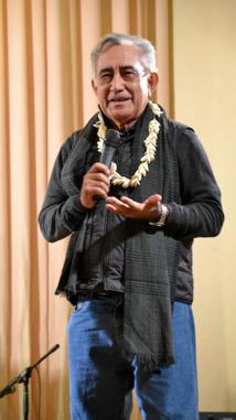 Oscar Temaru à la soirée de collecte de dons et de fonds pour les sinistrés des pluies du 21 janvier 2017 à Tahiti et Moorea - Mairie du 5e arrondissement de Paris © VD/PT