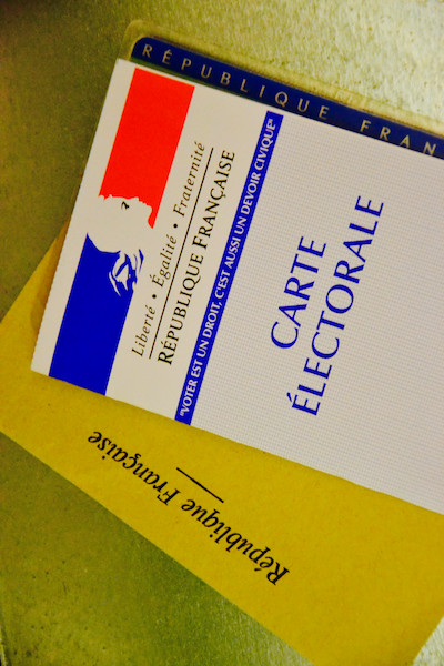 Carte d'électeur et carte d'identité pour voter © DR Paris Tribune