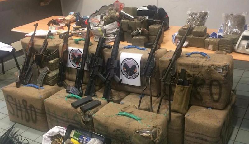 3 juin 2017 - Saisie record d'armes avec drogues par la Sûreté territoriale des Hauts-de-Seine © Police nationale