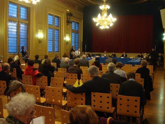 Une trentaine de personnes assistaient à la présentation-débat sur le plan 1000 caméras à Paris