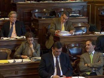 Au premier plan : Jean-François Lamour, Conseiller de Paris, Président du groupe UMP de Paris et Apparentés (UMPPA - 54 élus).                         A droite : Jean-François Legaret, maire du 1er. Au centre à droite : François Lebel, maire du 8è