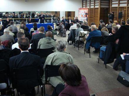 180 personnes environ ont assisté à la réunion