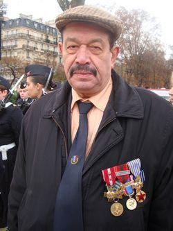 Hamoud Belmebrouk, porte-drapeau, s'est engagé à 17 ans 1/2 à Alger. Pour lui, c'est avant qu'il aurait fallu s'inquiéter du devoir de mémoire prôné par Hubert Falco