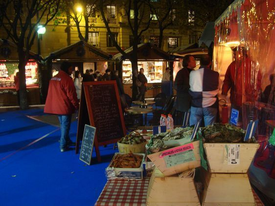 Au Village de Noël place Saint-Sulpice, les employés de la Codecom s'assurent que tout se passe bien
