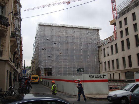 29 avril 2009 : Les travaux rue de Sèvres de l'hôtel de Choiseul-Praslin et de la Poste