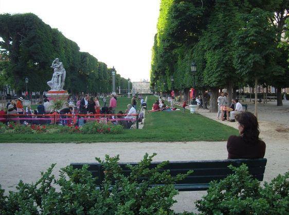 L'Esplanade Gaston Monnerville accueille le 1er pic-nic Chic du 6ème