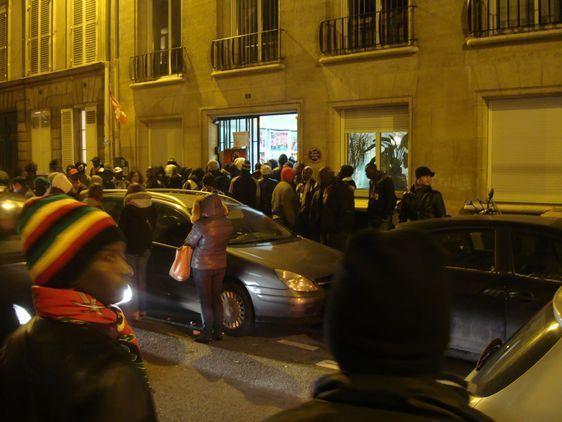 Affluence au 8 rue du Regard pour la galette des rois le 6 janvier