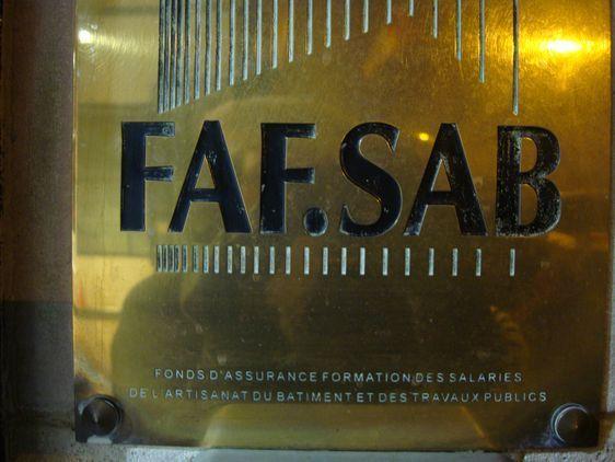 La FAF SAB collecte la taxe de formation professionnelle auprès des entreprises de moins de 10 salariés dans l'artisanat et dans le bâtiment