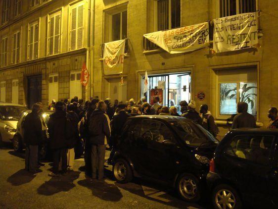 Dès 6h le 4 février : les habitants se relaient au 8 rue du Regard pour éviter une évacuation de force