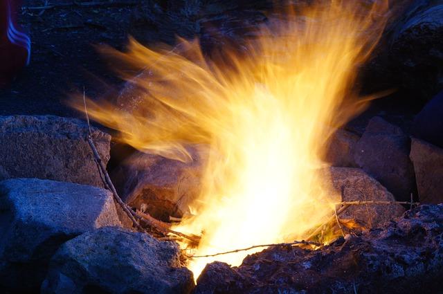 Le pyromane obéit à des pulsions obsédantes d'allumer des incendies © DR