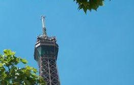 Simulation d'un attentat au pied de la Tour Eiffel