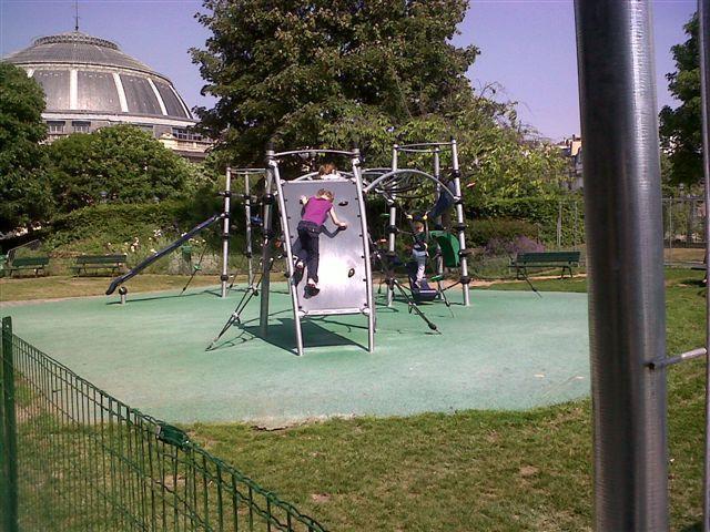 (c) A Brunetti : Les jeux de cordes sont réouverts, épargnés par la pelleteuse de la Mairie de Paris