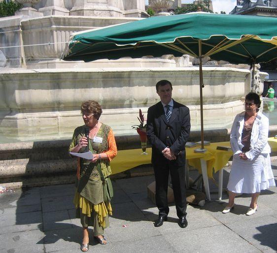 Inauguration des Jeux Mathématiques par le maire du 6ème dans le Village de la Foire Saint-Germain, le 1er juin 2007