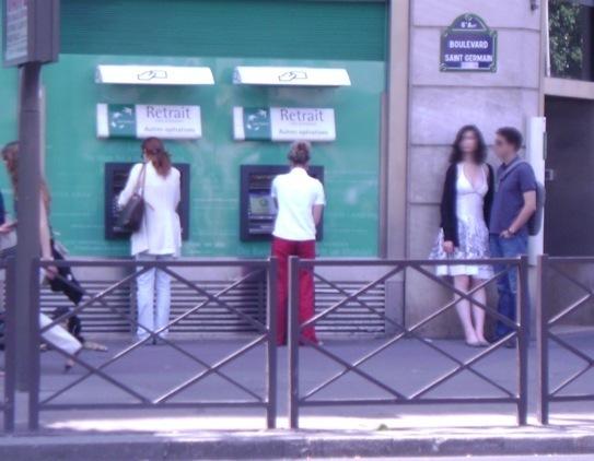 12h-13h devant la BNP boulevard Saint Germain