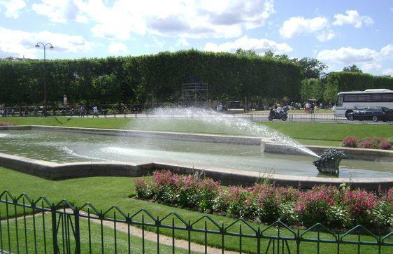 (c) MdlM - Un des jardins du Champ de Mars