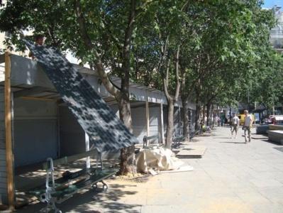 Le démontage des baraques pesant 800 kilos chacune, entièrement rénovées en 2009