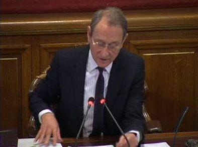 (c) Conseil de Paris le 11 mai - Bertrand Delanoe présente la tarification de la restauration scolaire
