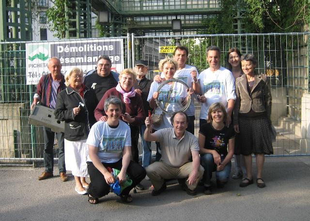 (c) Alexi B. : Des membres de l'association Accomplir en mai 2010