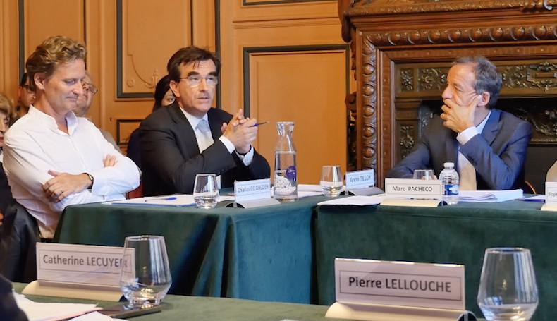 André Tiloy (au centre) élu adjoint au maire du 8e arrondissement de Paris © VD / PT
