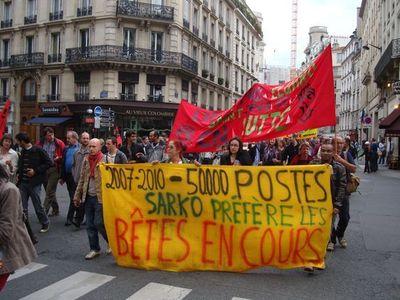 Les enseignants en grève dès le 6 septembre, rue du Four dans le 6ème arrondissement