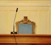 Le fauteuil du maire du 6e arrondissement de Paris dans la salle des mariages © VD/PT