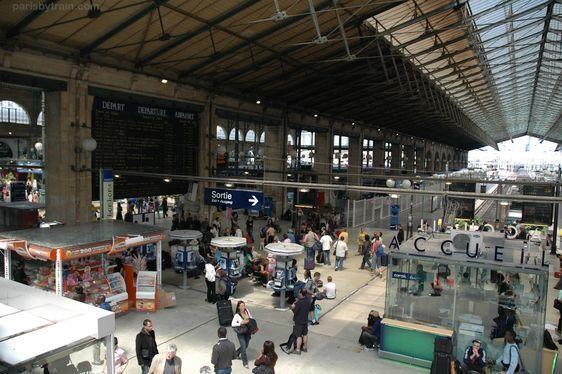 (c) Paris by train - Gare du Nord côté Est.
