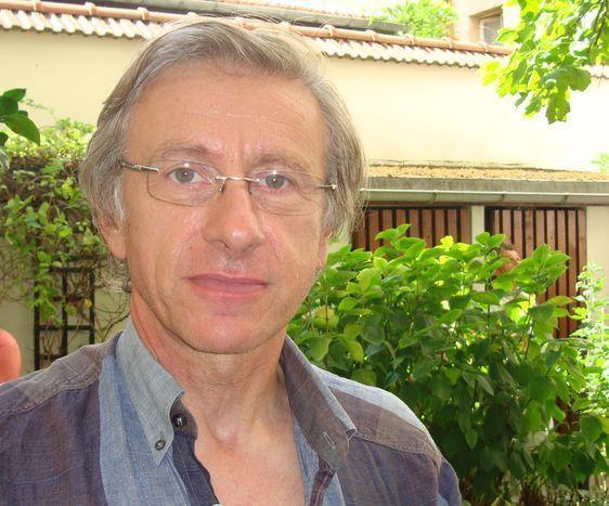 Jean-Christophe Rufin en septembre 2010 dans le 6e arrondissement de Paris.