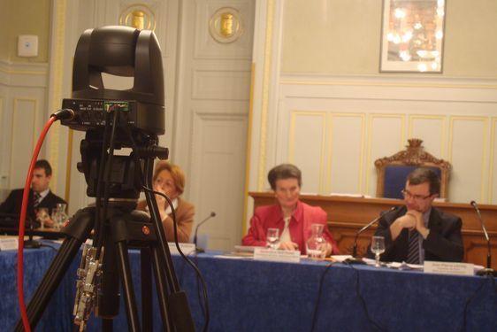 Jean-Pierre Lecoq, maire du 6e arrondissement de Paris, accepterait que le commissariat puisse quitter les locaux de la mairie du 6e place Saint Sulpice.