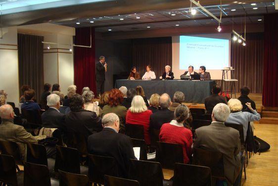 Conseil de quartier Mairie le 7 mars 2011 : les représentants du conseil de quartier Mairie face aux habitants du quartier.