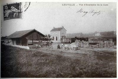 Leuville-sur-Orge : les produits maraîchers sont en attente d'être chargés en direction des Halles. Photo : Col. Regnier.