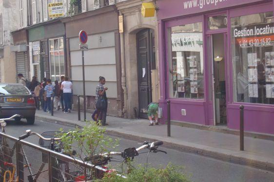 Rue de la Folie Méricourt au croisement du passage Beslay. Photo : Louise Wessier.
