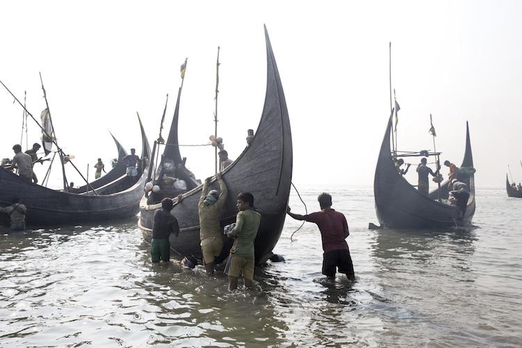 Bangladesh, 2017, Fishermen prepare to put to sea, near the village of Shamlapur. Most of them are Rohingya refugees originally from the state of Rakhine in West Myanmar © William Daniels.