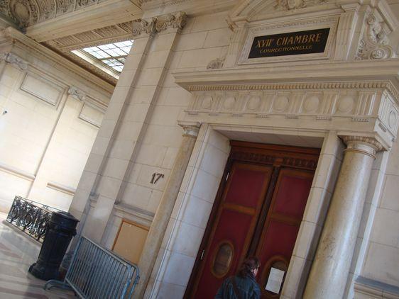 L'entrée de la 17e chambre correctionnelle.