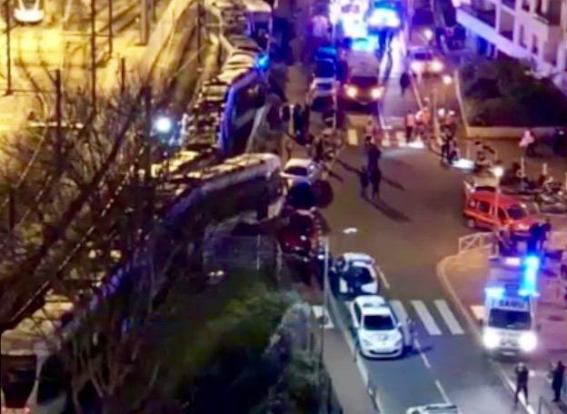 Une collision entre deux tramway fait une douzaine de blessés à Issy-les-Moulineaux © capture d'écran LCI.
