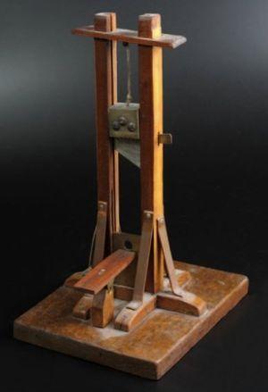 Guillotine miniature - Crédits : Etude Delorme - Collin du Bocage.