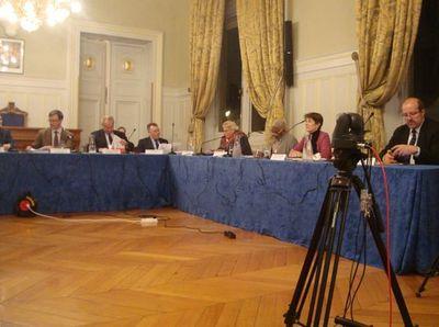 7 des 10 élus de la majorité d'arrondissement au conseil du 8 novembre 2011. Photo : VD.