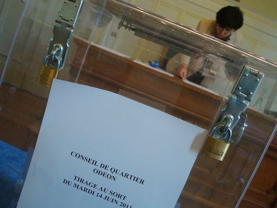 Tirage au sort des habitants au conseil de quartier Odéon - Photo : VD.