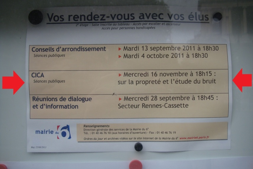 Panneau d'affichage de la mairie du 6e arrondissement, début septembre 2011 - Photo : VD.