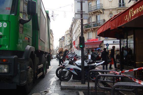 Ancien feux rouges pour vélos dans la rue du Cherche-Midi le 11 janvier 2011 - Photo : VD.