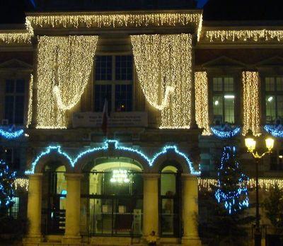 Mairie du 19e arrondissement Illuminations 2010-2011 - Photo : VD.
