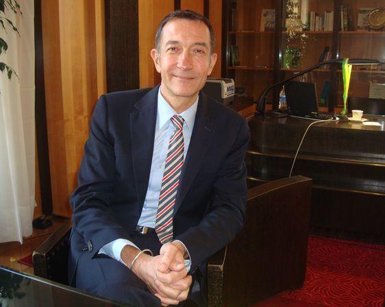 François Dagnaud dans son bureau à l'Hôtel de Ville - Photo : VD.