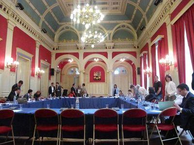 Salle du conseil du 16e arrondissement de Paris - Photo : JH.