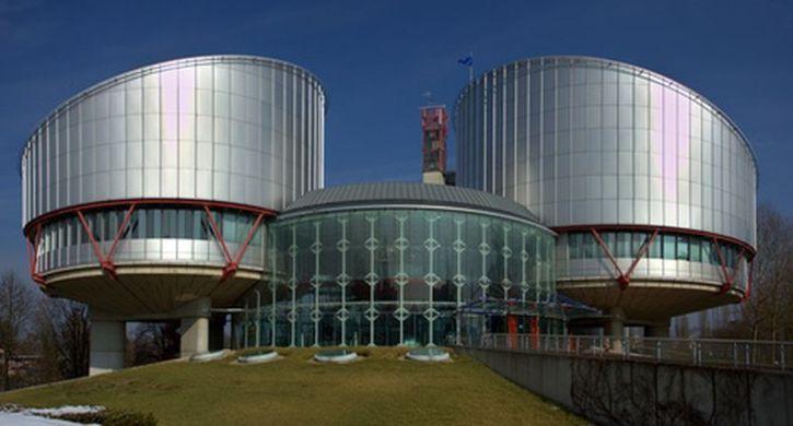 La Cour Européenne des Droits de l'Homme à Strasbourg © chasmer - fotolia. Groupement d'architectes : Richard Rogers Partnership Ltd, Londres, et Claude Bucher, Strasbourg.