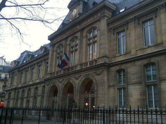 Un mauvais quart d'heure pour la gestion financière de la Ville lors du conseil du 16e arrondissement - Photo : GB.