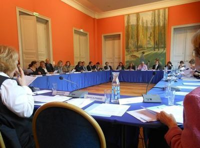 Exceptionnellement, les élus étaient réunis dans la salle des commissions pour le conseil d'arrondissement - Photo : GB.