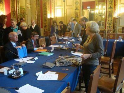 Fin du conseil du 7e arrondissement le 2 mai 2012 - Photo VD.