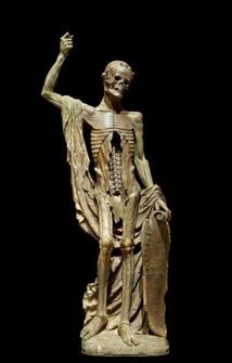 La Mort Saint-Innocent, sculpture allégorique, auteur inconnu, 120 cm x 55 cm x 27 cm, année 1520, restaurateur Louis Pierre Deseigne (1749-1822) - Département des sculptures du musée du Louvre, salle 212, Numéro d'inventaire RF 2625 © Jebulon - Domaine public.