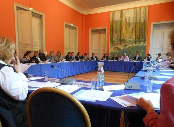La salle des commissions : l'une des deux salles du conseil d'arrondissement - Photo : GBJ.