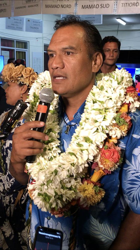 Tauhiti Nena, l'homme politique qui monte à Papeete.